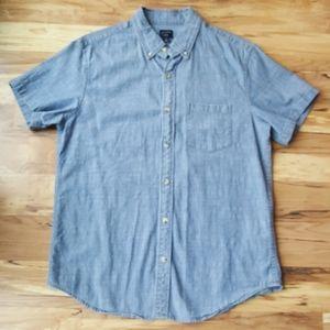 JCrew Flex Chambray blue short sleeve shirt